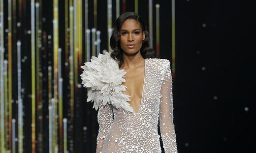 2020春夏婚紗[Pronovias]巴塞羅那時裝發布會